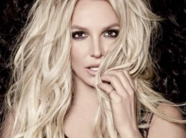Britney-Spears-Verticale